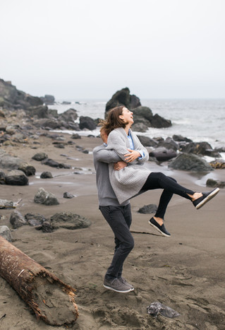 Anniversary photo shoot | Muir Beach | Pelican Inn
