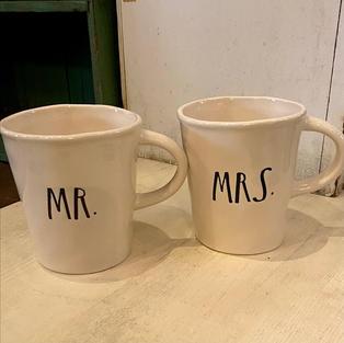Rae Dunn Mr. and Mrs. Mugs Set/2