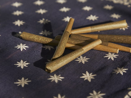 What is the Difference Between Joints & Blunts [All You Need to Know]?
