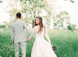 A fresh modern look for the natural bride