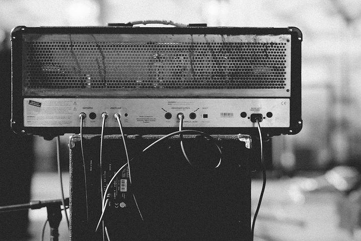 amplifier-1246645_1920.jpg