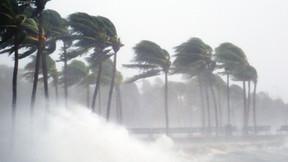 Huracán Delta ya se encuentra sobre el Golfo de México