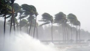 台風 Tyhoon ~気象情報について英語で話す~