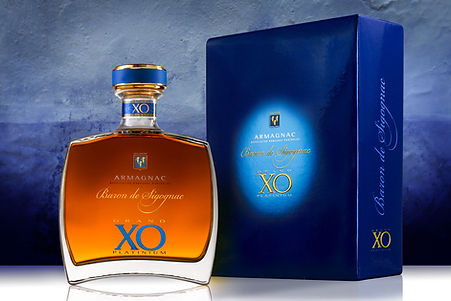Grand XO Platinium Carafe and Case