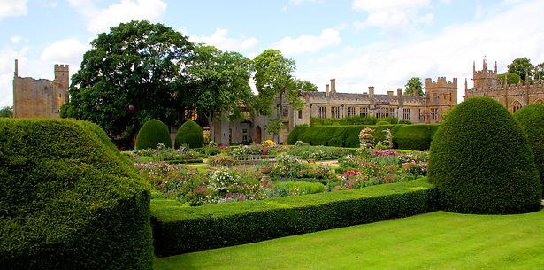 Sudeley Castle Queens Garden CREDIT to X