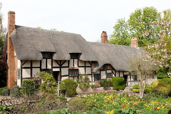 Anne Hathaways cottage.jpg