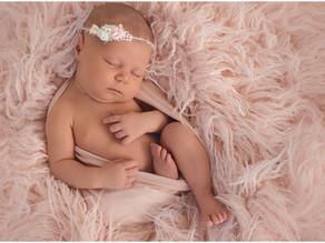 Zarte Neugeborenenbilder in Frick
