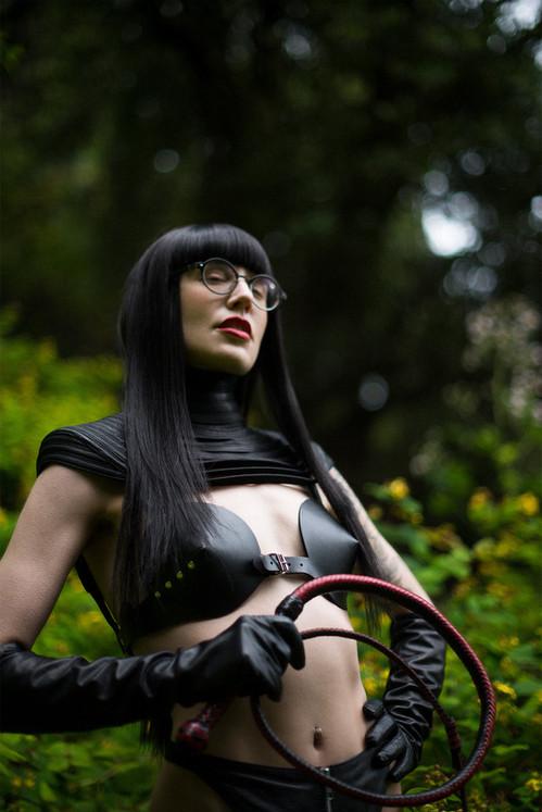 Goddess-Faustine-Cox-San-Francisco-Dominatrix-Gelereh-Forest-2-edit.jpg