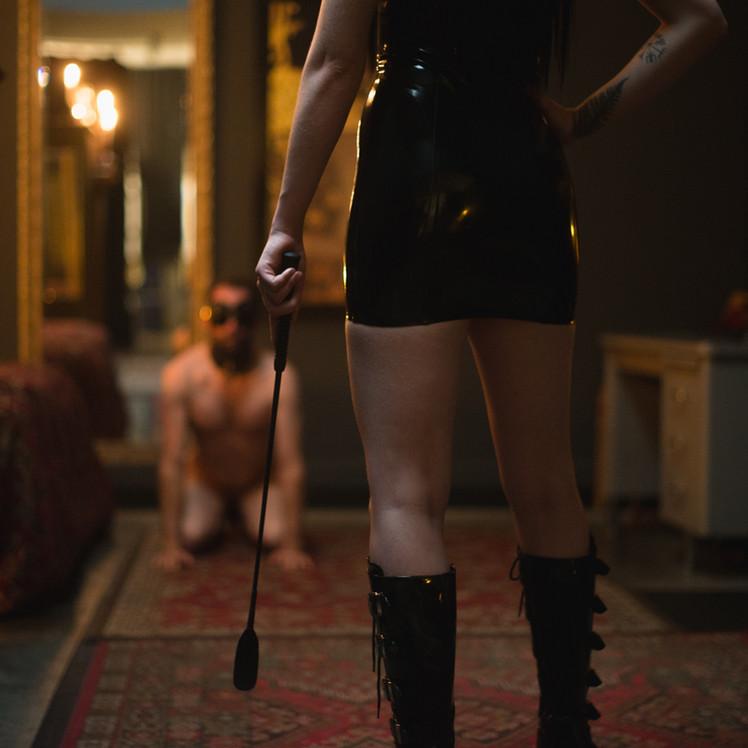 Goddess-Faustine-Cox-San-Francisco-Dominatrix-boots-CFNM-crop-latex-dress-blindfold-slave-training