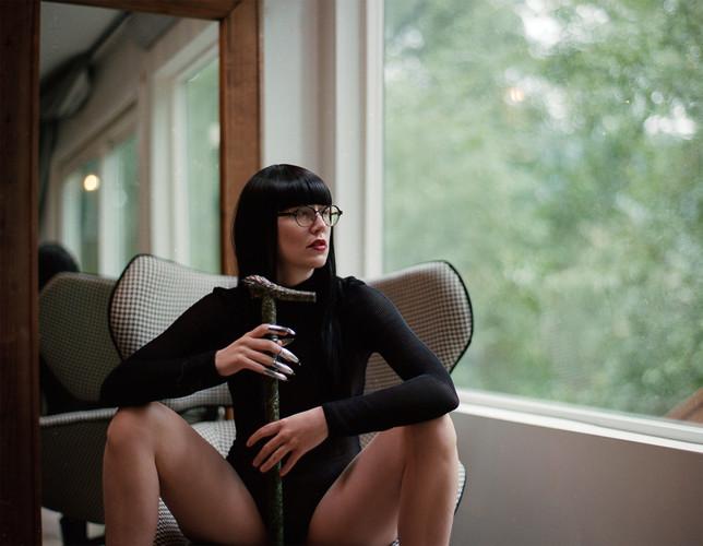 Goddess-Faustine-Cox-San-Francisco-Dominatrix-lingerie-claws-cane-glasses