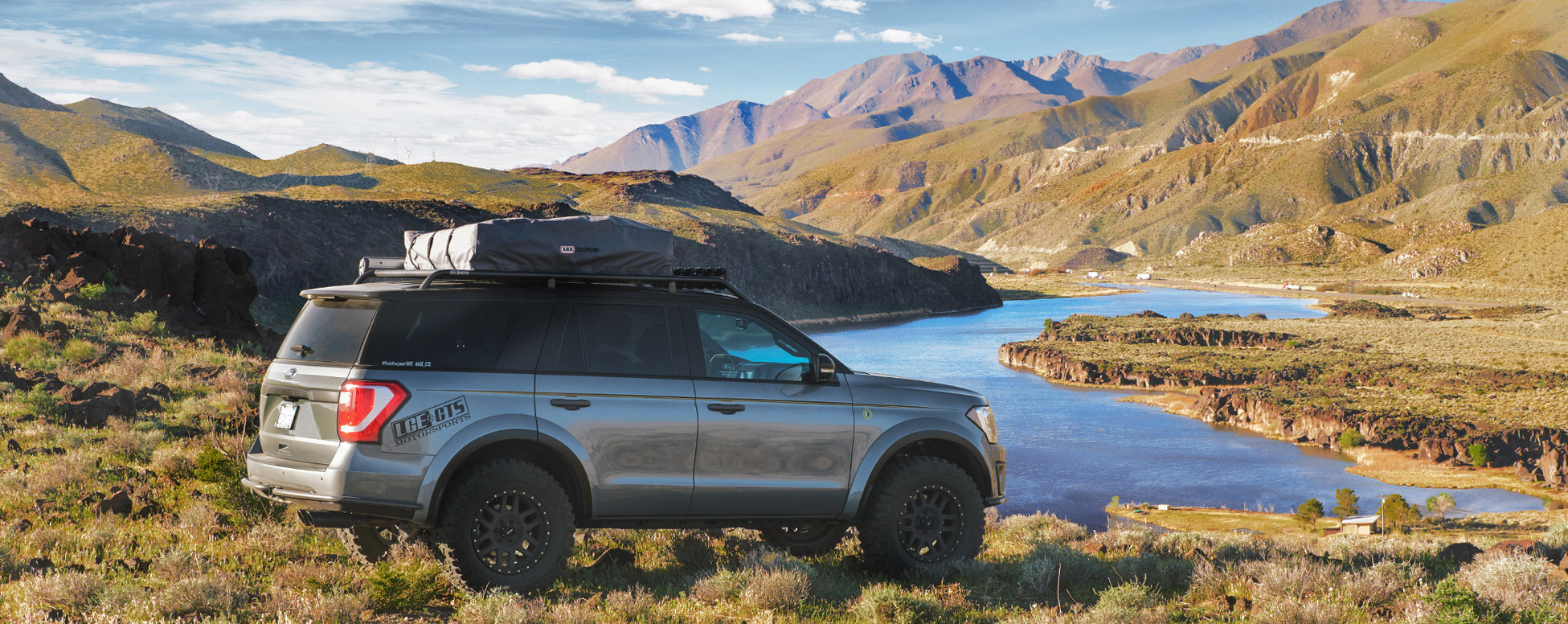 Ford Expedition Lake view photo.jpg