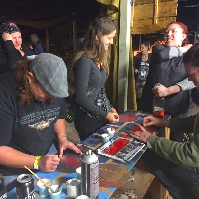 Theresa leading a pinstriping class