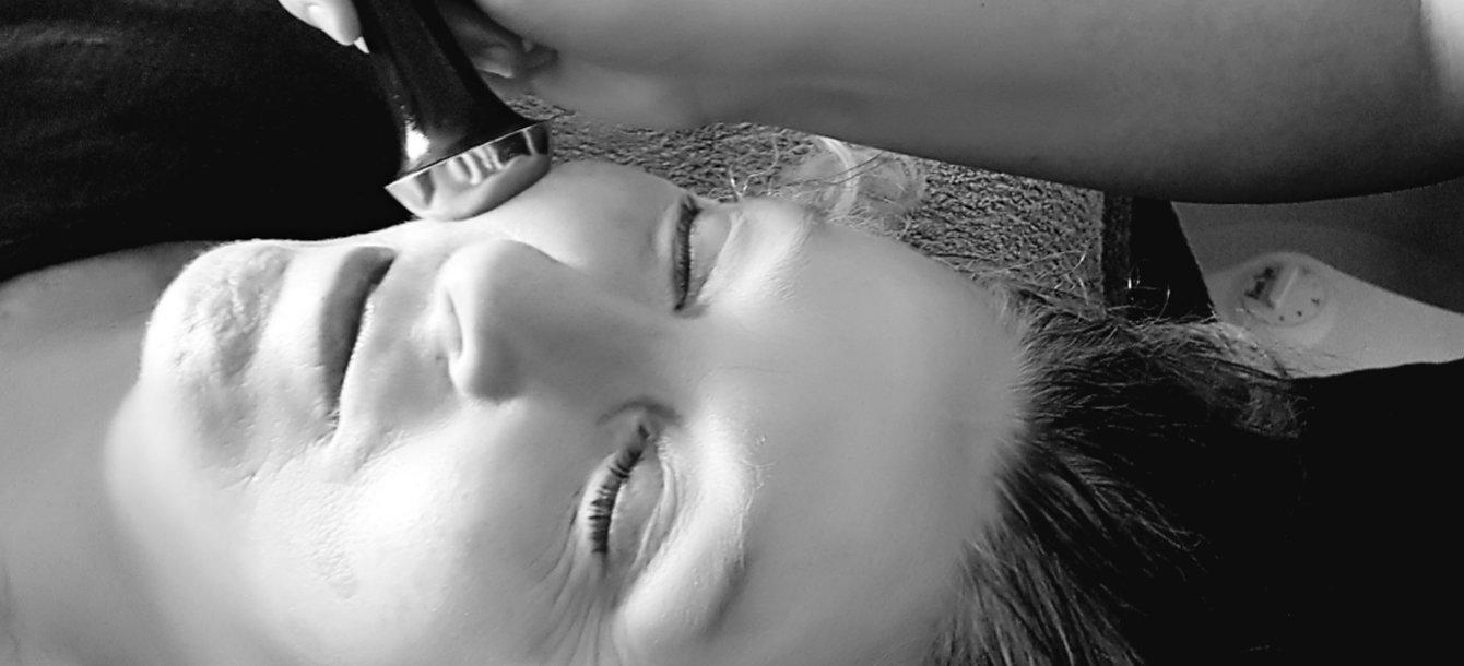 Ayurvedic Facewand Massage 2.jpg