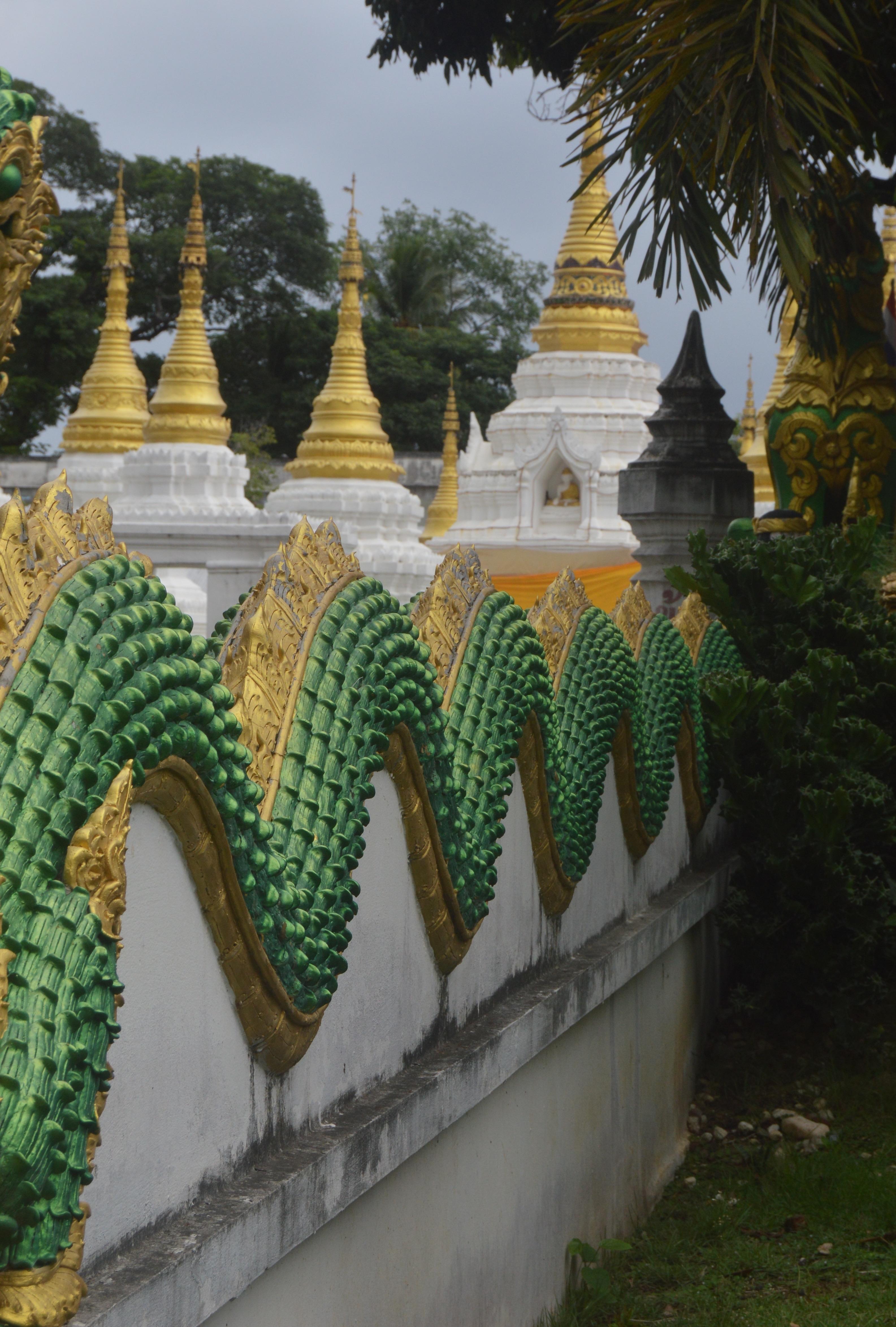 Wat Chedi Sao Lang, Lampang