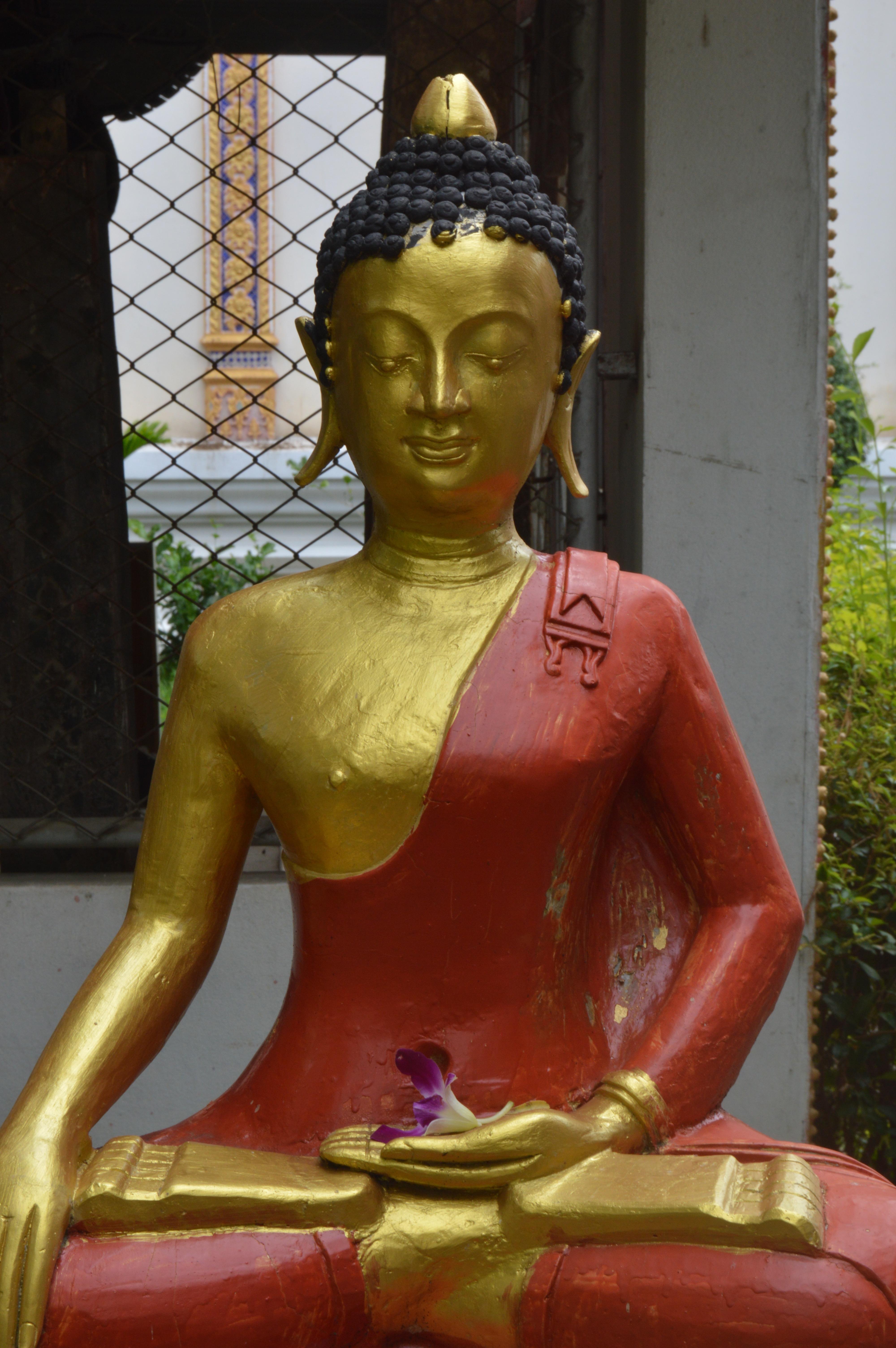 Wat Pong Sanuk Nuea, Lampang