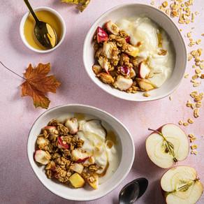 Omenagranolaa ja Plantin YogOat kauravälipalaa