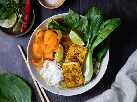 Phokeitto eli vietnamilainen riisinuudelikeitto