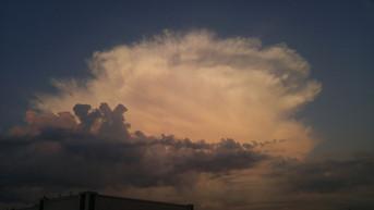 Thunderstorm near KLGA
