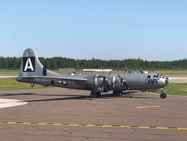 WWII Bomber @ KDLH