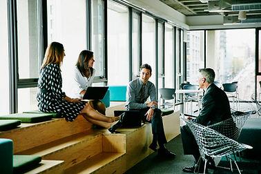 Повседневная деловая встреча