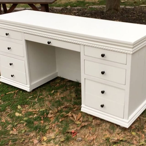 The Magnolia Desk