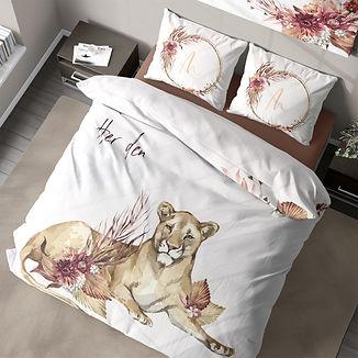 Queen lioness 2.jpg