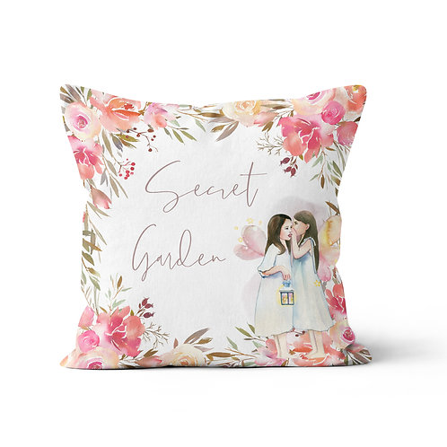 Throw Pillow - enchanted
