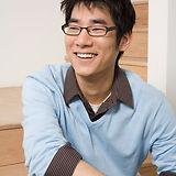 Guy asiático novo