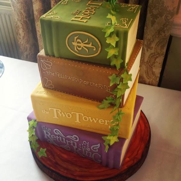 Tolkien-books-cake.jpg