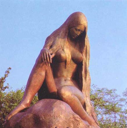 lorelei statue.jpg