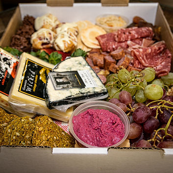 Non vegan grazing box