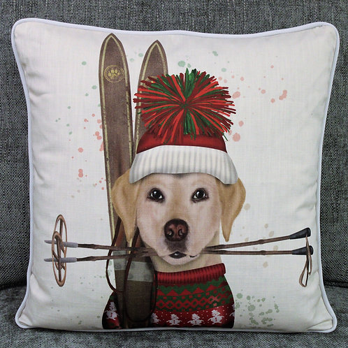 LABRADOR WITH SKIS
