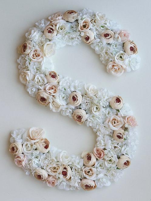Blumen Buchstabe / Floral Beige