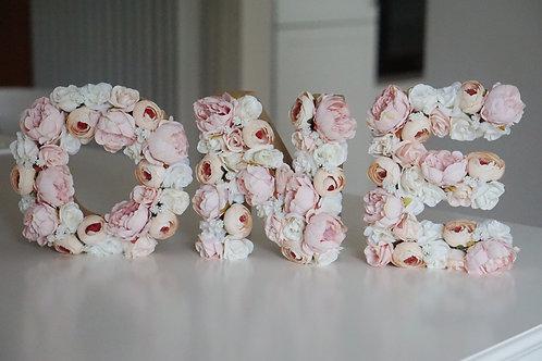 ONE Blumen Buchstaben