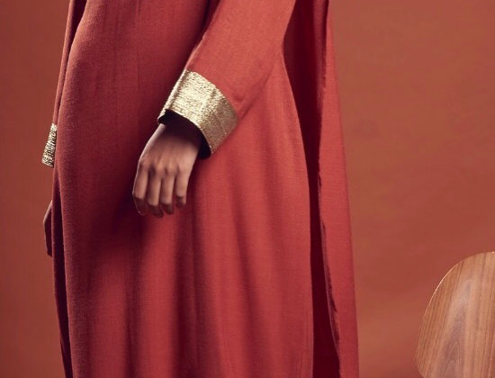 Brick assymetrical Golden cape + gown