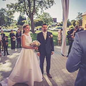 Novomanželé Harcubovi