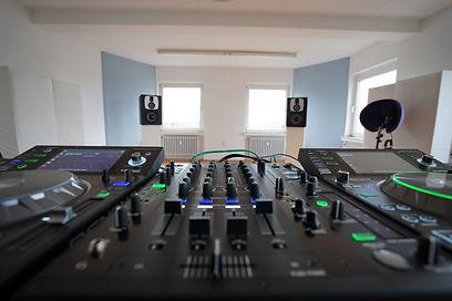 DENON DJ Axsens Music DJ Schule