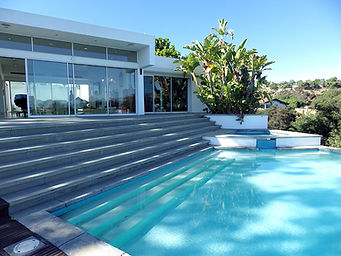 Furnished Corproate and vacation rentals  Our properties include high-end amenities