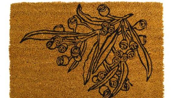 Gum leaf door mat