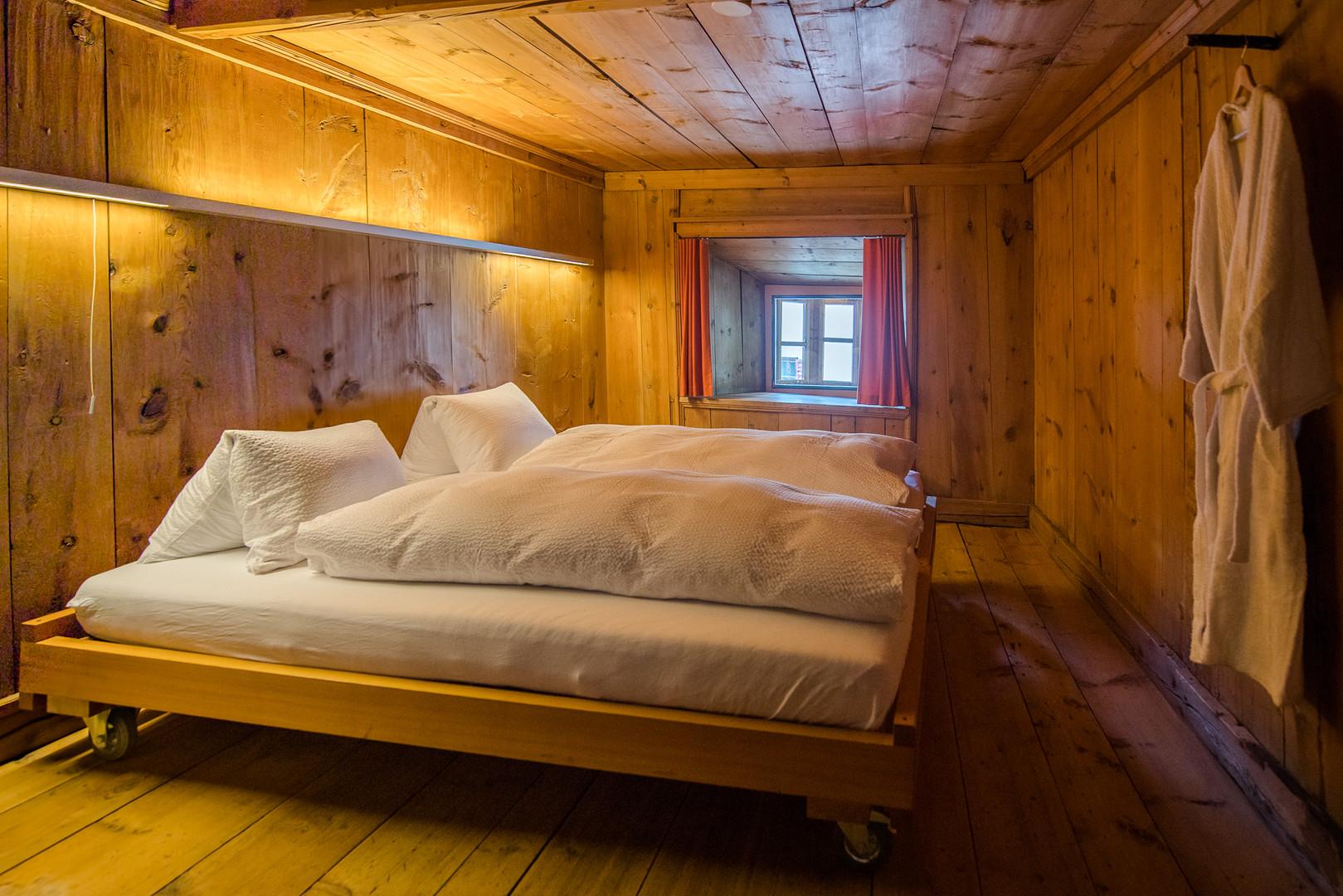 OG2 Zimmer 4