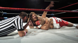 two giants fight for NYWC gold