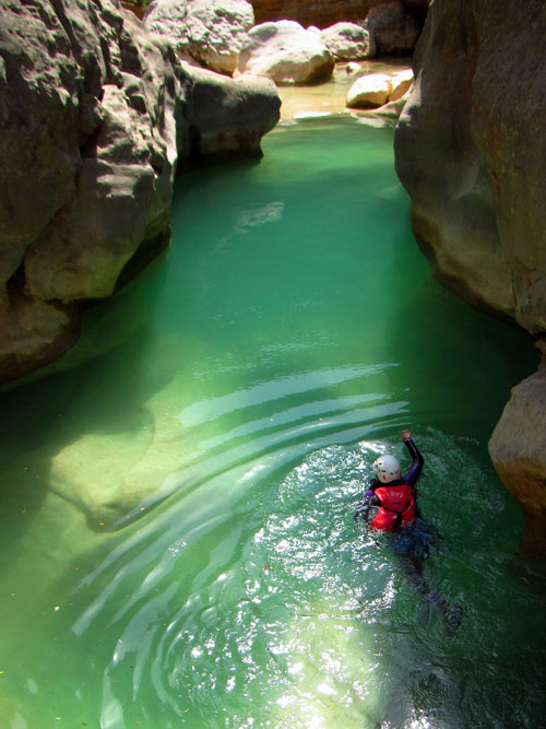 oscuros de balces-canyoning-piscine