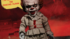 Mezco's Mega Scale Pennywise Figure Says Six Nightmare-Inducing Phrases
