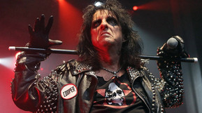 Alice Cooper Announces Extension Of North American Tour, Lita Ford And Tesla To Support