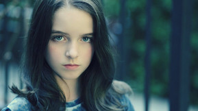 """""""Haunting Of Hill House"""" Star Mckenna Grace To Play Young Sabrina In """"Chilling Advent"""