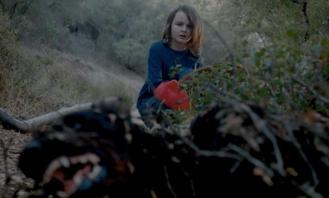 Between the Darkness Andres Rovira Trailer