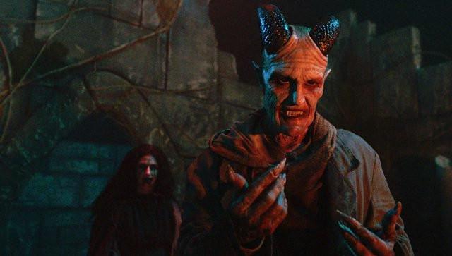Tricia Helfer Dracula Van Helsing