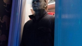 Michael Attacks A Babysitter In New Image From 'Halloween'