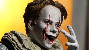 NECA's Ultimate 'IT Chapter Two' Pennywise Figure Comes With Four New Heads