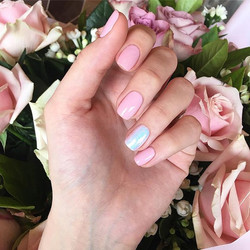 Pink to make the boys wink 💅🏻_._._._